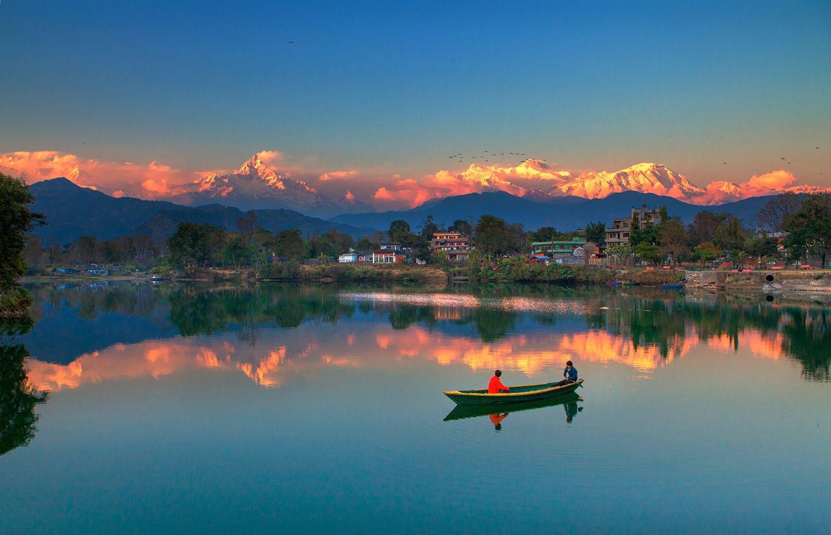 尼泊尔费瓦湖风光
