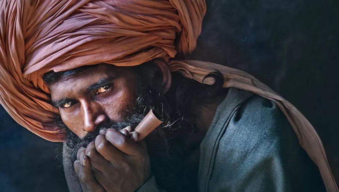尼泊尔:大麻、荼毗(火化)与裸体苦行僧——湿婆节