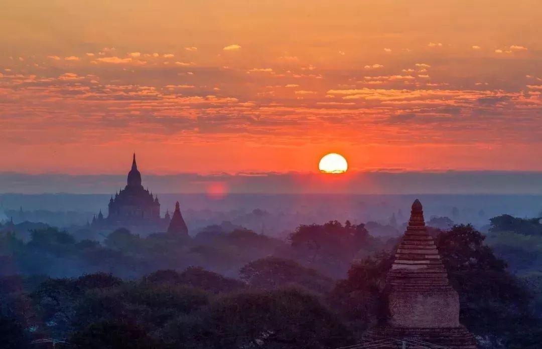 佛国缅甸,手指之处必有浮屠