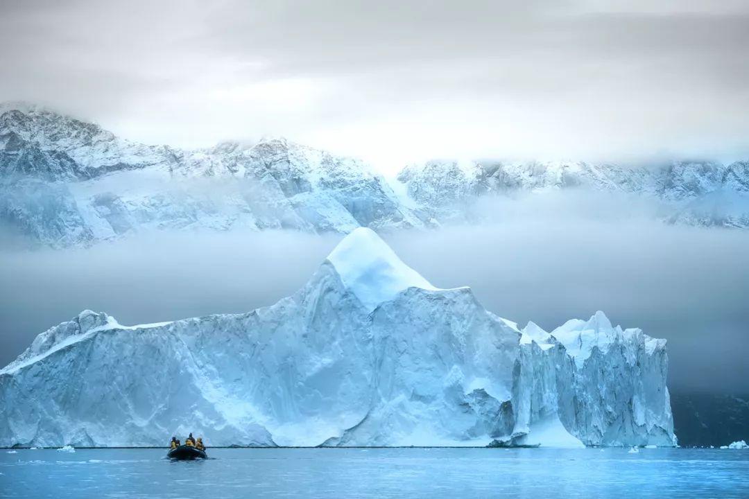 漫游三岛探秘北极,邂逅北极熊与北极光(斯匹次柏根、东格陵兰岛、冰岛)