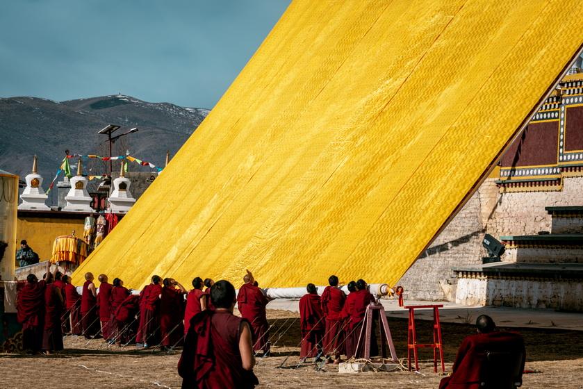 2021.2.21人神共舞—春节川西藏区晒佛节摄影团